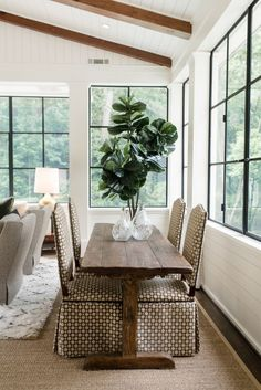 Home Interior Decoration Today I'll be sharing the Sunroom Decor Inspiration you need and giving you some tips and tricks from my recently decorated sunroom! Check it out here for your decor inspiration and links to shop. Cheap Wall Decor, Cheap Home Decor, Home Decor Kitchen, Home Decor Bedroom, Diy Kitchen, Unique Home Decor, Home Decor Styles, Porches, Sunroom Decorating