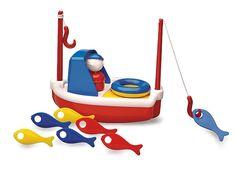 Een vrolijke vissersboot van Ambi-Toys voor eindeloos badplezier. Het roer is tegelijkertijd een reddingsboei, voor als de kapitein overboord valt. De masten veranderen in vishengels en alle visjes kunnen achter een geheim luikje onder het dek worden opgeborgen. Dit leuke badspeelgoed is ontwikkeld voor: de oog en handcoördinatie, sociale interactie aan te moedigen, en om ontdekking en nieuwsgierigheid aan te moedigen.