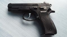 CZ 75 COMPACT - Prodám pistoli CZ 75 Compact, ráže 9mm Luger. Pistole je nestřílená, nenošená. Stav nové zbraně. Nabídky pouze na email. Lokalita Brno - Tišnov. ZP + NP nutné.https://s3.eu-central-1.amazonaws.com/data.huntingbazar.com/9031-cz-75-compact-pistole.jpg