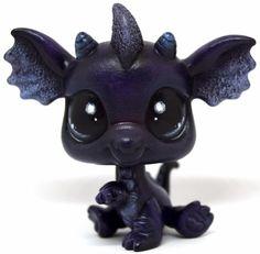 Littlest Pet Shop Custom OOAK Dark Purple Black Dragon - Hand Painted 2663 #Hasbro Lps Dog, Lps Cats, Little Pet Shop, Little Pets, Custom Lps, Lps Accessories, Lps Littlest Pet Shop, Polymer Clay Dragon, Black Dragon
