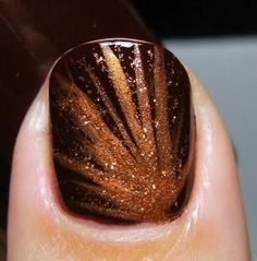 Make Beauty Nails: Sinful Colors 'Maghony' with StripRite copper nail stripers Fancy Nails, Love Nails, How To Do Nails, Pretty Nails, My Nails, Glitter Nails, Gold Glitter, Orange Glitter, Glitter Bomb