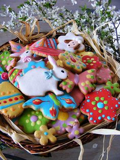 Easter cookies.                       ~                 LOVE how detailed these are❗️ They're more like mini art pieces‼️