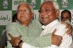 बिहार विधानसभा चुनाव 2015 परिणाम घोषित हुए. महागठबंधन की सरकार पूर्ण बहुमत से विजयी हुई.  जीत का जबरदस्त जश्न मनाया गया. सोशल मीडिया न्यूज़ चेनलों पर भी मतगणना परिणाम छाए रहे.