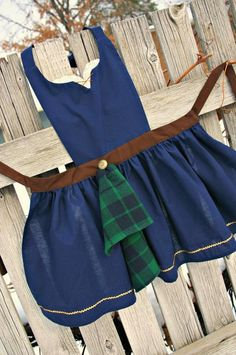 Dress Up Aprons, Dress Up Outfits, Sewing Aprons, Sewing Clothes, Disney Aprons, Princess Aprons, Disney Princess, Kids Dress Up, Apron Designs