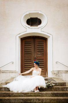 #brautkleid von #lohrengel #bluehair #mermaidhair #schuhnique #handpainted #handbemalt #shoes #wedding #styledshoot #schuhe #brautschuhe