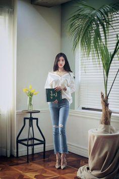 Milkcocoa daily 2017 feminine& classy look(mt) Korean Fashion Trends, Korea Fashion, Kpop Fashion, Asian Fashion, Trendy Fashion, Girl Fashion, Fashion Looks, Fashion Outfits, Womens Fashion