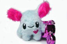 Fluse Kuschel Monster ,aus hochwertigem farbechtem Kuschel -Plüsch undFell-Imitat in Blau -Pink . Augen sind aus Filz) ! Einzelstück!Unikat! Nach eige