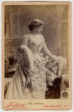 Lillie Langtry x Vintage Photos Women, Vintage Photographs, Vintage Images, Vintage Ladies, 1880s Fashion, Victorian Fashion, Lilly Langtree, Lillie Langtry, Edwardian Era