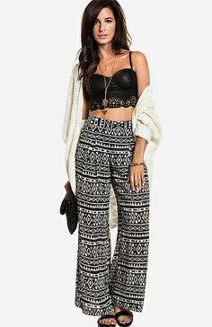 Daily Look: Flowy Tribal Pants + Crop Top. I have these and im so excited to wear them. Trendy Outfits, Summer Outfits, Cute Outfits, Fashion Outfits, Tribal Pants, Types Of Dresses, Black Crop Tops, Spring Summer Fashion, Winter Fashion