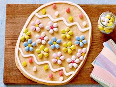 Manila Spoon: Giant Easter Egg Cookie