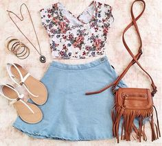 Floral top and skater skirt. Perfect for Summer love it, summer outfit, roses - cute clothes - women, boho A Line Denim Skirt, Blue Denim Skirt, Denim Skirts, Late Summer Outfits, Spring Outfits, Outfit Summer, Diesel Punk, Cyberpunk, Girly Outfits