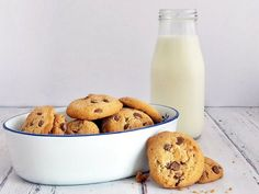 Valami Amerika: csokis keksz a tengerentúlról - Mom With Five Biscotti, Glass Of Milk, Mom, Mothers, Cookie Recipes
