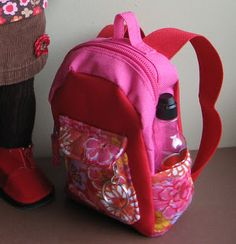 "* How to make a backpack. [scroll down to: Thursday, October 27, 2011 ""September:  How to make Backpack and Pencil case""] - lots of AG clothes, too"