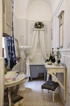 For the Home by Natalie Larin Paris Bathroom Decor, Paris Decor, Bathroom Ideas, Dreams Beds, Dream Bath, Beautiful Bathrooms, White Bathrooms, Tips & Tricks, Barbie Dream House