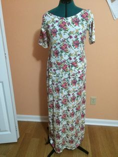Floral maxi dress with pockets