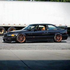 BMW E36 3 series black slammed stance Bmw E30 M3, Bmw 328i, E36 Coupe, Bmw Convertible, Slammed Cars, Bmw Performance, Bavarian Motor Works, Bmw Love, Car Goals
