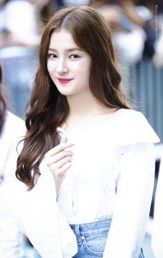 Beautiful Person, Beautiful Asian Girls, Most Beautiful, Nancy Jewel Mcdonie, Nancy Momoland, Korean Beauty Girls, Korean Girl, Real Model, Celebs