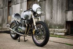 This week we found a huge assortment of cafe racers up on eBay, including a Harley that I immediately fell in love with and a hard-to-find 2014 Norton Commando. That Honda CB750 built by Steve Carpenter (Carpy) is also worth a mention – owners of Carpy's customs very rarely sell them. The prices (and...