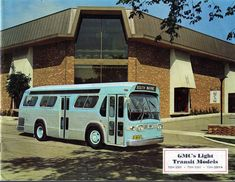 (first posted GM has built some great vehicles in its day, but nothing can top their buses. They literally owned the bus market from the late thirties through the seventies, having e… Retro Bus, Classic Gmc, Rv Motorhomes, Bus Terminal, Living On The Road, Run Today, Motor Homes, Fishbowl, Bus Conversion