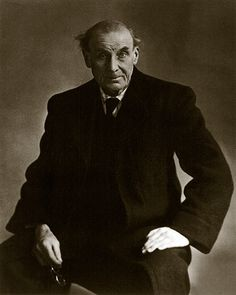 Eugène Atget -French flâneur and a pioneer of documentary photography, noted for his determination to document all of the architecture and street scenes of Paris before their disappearance to modernization. Photo by Berenice Abbott, 1927 Berenice Abbott, Eugene Atget, Peggy Guggenheim, Andre Kertesz, Man Ray, Photo Portrait, Photo Art, Old Paris, Vintage Paris