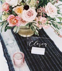 海外花嫁さんに学ぶ!アクリル板を使ったお洒落な『テーブルナンバー』のデザインまとめ* | marry[マリー]