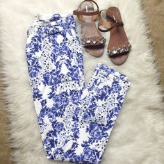 White Skinny Jeans with Cobalt Floral Print Brand new Cotton On skinny jeans. White stretch denim with a bold cobalt blue floral design. Super fun and the vertical design is super flattering! Size 10 US womens Cotton On Pants Skinny