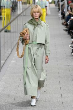 Fashion Week Paris Spring/Summer 2020 look 25 from the Lacoste collection womenswear Pastel Fashion, 2020 Fashion Trends, Spring Fashion Trends, Fashion Week, Fashion 2020, Fashion Show, Autumn Fashion, Fashion Outfits, Womens Fashion