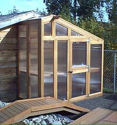 Build a Small Greenhouse for the Side of Your Shed - Here's a clever design and a step-by-step guide to building your own version. #visionsolar #greenhouse #gardening #outdoors #idea Diy Greenhouse Plans, Small Greenhouse, Greenhouse Gardening, Outdoor Greenhouse, Greenhouse Wedding, Miniature Greenhouse, Window Greenhouse, Outdoor Projects, Garden Projects