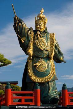 Miyajimaguchi dancer statue, Miyajima Island, Japan | Alfred Molon