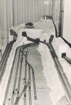 Bild N Scale Train Layout, Ho Train Layouts, Diorama, N Scale Model Trains, Scale Models, Train Ho, Escala Ho, Model Railway Track Plans, Trains For Sale