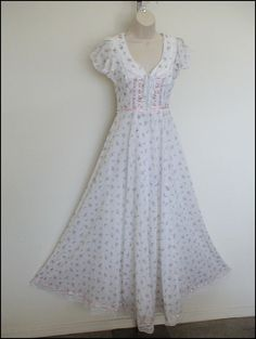 So, so very pretty ~ Gunne Sax