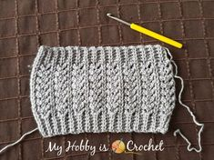 Chic Aran Boot Cuffs/ Toppers - Free Crochet Pattern The Chic Aran Boot Cuffs/ Toppers are worked sideways in one piece, so you don't need to make the ribbing separately! They are customizable to any size and to any boot height also! Crochet Jumper, Crochet Boots, Crochet Slippers, Crochet Clothes, Crochet Designs, Crochet Patterns, Hat Patterns, Crochet Boot Cuff Pattern, Bruges Lace
