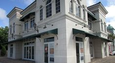 Osprey space pegged for restaurant By John Hielscher Staff Writer A unit in the Bay Street Town Center in Osprey has sold for $310,000. The empty 2,337-square-foot Suite 1 was acquired by Giovanni Migliorini of Cafe Epicure, Carlo Piras, former owner of Cafe Americano, and Maurice Connaughton, broker at Sarasota Signature Real Estate. They plan to …