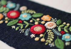 I like embroidery Bordado Paisley, Paisley Embroidery, Hand Embroidery Dress, Embroidery On Clothes, Embroidery Flowers Pattern, Hand Embroidery Designs, Cross Stitch Embroidery, Ribbon Embroidery Tutorial, Crochet Wool