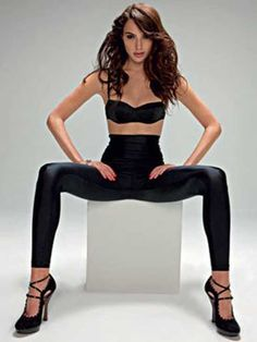 Gal Gadot's Hottest Photos Gal Gadot is an Israeli born actress making huge waves in America. Before you knew her as Wonder Woman, Gal Gadot brought her Beautiful Celebrities, Beautiful People, Gal Gardot, Gal Gadot Wonder Woman, Wonder Women, Hot Girls, Celebs, Lady, Laura Vandervoort
