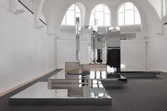 Olaf Nicolai,Faites le travail qu'accomplit le soleil, 2010, Ausstellungsansicht Kestnergesellschaft, Hannover