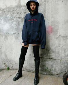 Korean Fashion KPOP Inspired, Outfits Street Style for Boys/Girls Korean Fashion Kpop Inspired Outfits, Korean Fashion Winter, Korean Fashion Trends, Korean Street Fashion, Korean Outfits, Asian Fashion, Trendy Fashion, Fashion Ideas, Womens Fashion