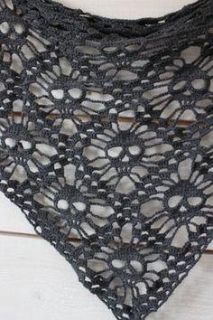 Make No Bones About It, It's Free Crochet Skull Patterns! – Sabrina Cagle Make No Bones About It, It's Free Crochet Skull Patterns! Skull Shawl :: Roundup of free patterns on Moogly! Crochet Scarves, Crochet Shawl, Crochet Clothes, Crochet Stitches, Free Crochet, Knit Crochet, Crochet Fabric, Crocheted Scarf, Thread Crochet