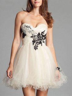 A-line Sweetheart Tulle Short/Mini Appliques Cocktail Dresses