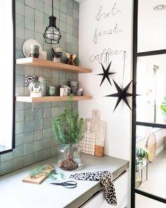 ideas kitchen tiles backsplash ideas awesome for 2019 Living Room Furniture, Living Room Decor, Bedroom Decor, Kitchen Tiles, Kitchen Colors, Rustic Kitchen, Kitchen Decor, New Kitchen Designs, Kitchen Cabinet Styles