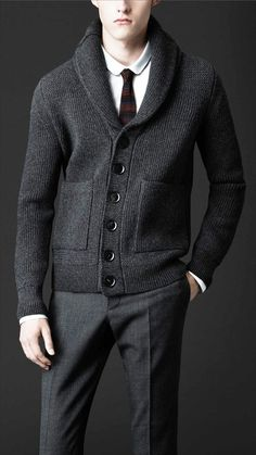 Men's Jackets For Every Occasion. Photo by Menswear Market Jackets are a must-have in the cold weather but it can also be used to accessorize an outfit. There is almost an unlimited number 1950s Jacket Mens, Cargo Jacket Mens, Green Cargo Jacket, Grey Bomber Jacket, Knit Jacket, Wool Cardigan, Leather Jacket, Moda Formal, Jacket Pattern