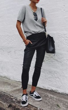 An elevated basic – our stretch leather jogger pants - Women's Fashion Style Année 80, Looks Style, Mode Style, Basic Style, Simple Outfits, Casual Outfits, Fashion Outfits, Fashion Trends, Style Fashion