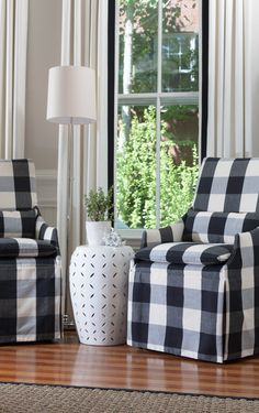 .black and white gingham