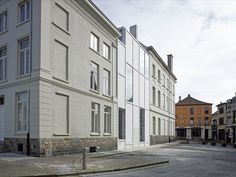 Stadhuis in Menen, België, door noA architecten