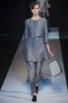 Giorgio Armani - Spring Summer 2013 Ready-To-Wear - Shows - Vogue. Fashion Week, High Fashion, Fashion Show, Womens Fashion, Fashion Design, Milan Fashion, Review Fashion, Runway Fashion, Giorgio Armani
