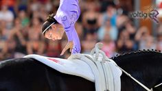 Purple salto queen Lisa Wild WC 2015 Foto: Daniel Kaiser - impressions