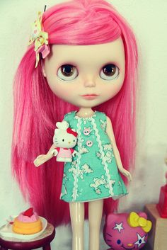 Blythe dolls are far too pretty to be in the HKH category, but...  #blythe # hello #kitty