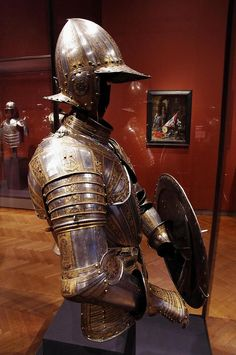 Half-armour and targe for service on foot | Flickr - Photo Sharing!
