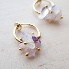 アメジスト・ローズクォーツのジュエルフラワーイヤリング|イヤリング|Holiday Jewelry|ハンドメイド通販・販売のCreema