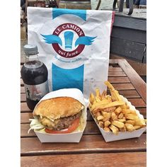 Port de Javel /@lecamionquifume  Paris 15 #lecamionquifume #burger #hamburger #pariscola #streetfood #foodtruck #portdejavel #lajavelle #lunch #food #streetfood #foodgasm #foodpics #instafood #instagood #foodporn #frenchfood #madeinfrance #parisfood #paris #france #parigotletsgo #picoftheday #picofinstagram #instapic #actu #feeling #inspiration #bestofparis #fooding @lefooding by parigotletsgo